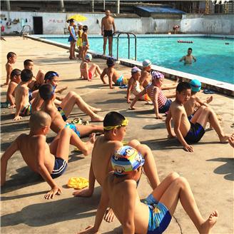 西安大唐社区:举办暑期少儿游泳培训班