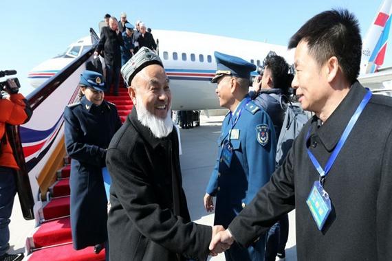2017两会:驻新疆全国政协委员抵京