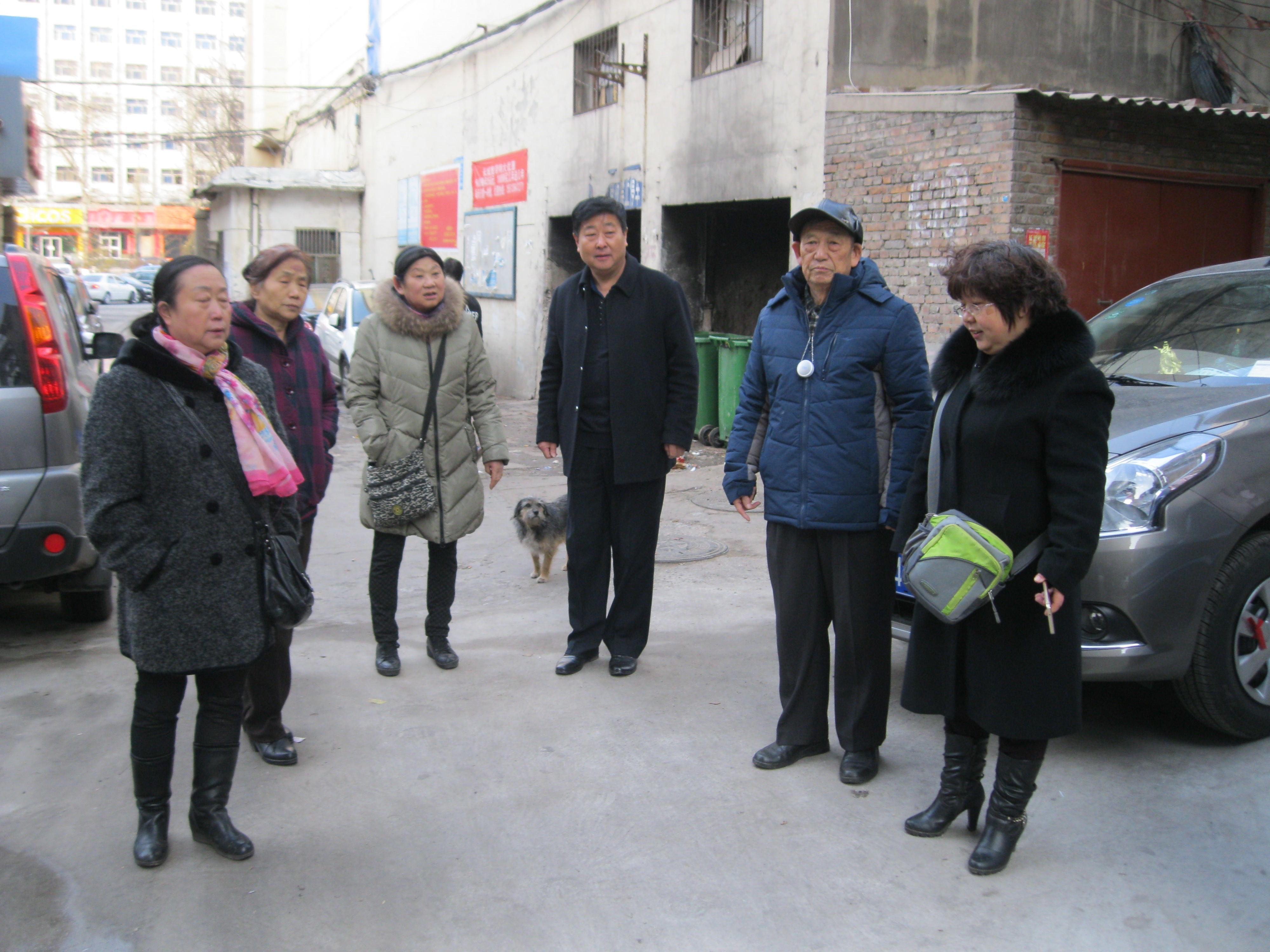 """太原南官坊:活跃在居民身边的""""银发党员先锋志愿队"""""""