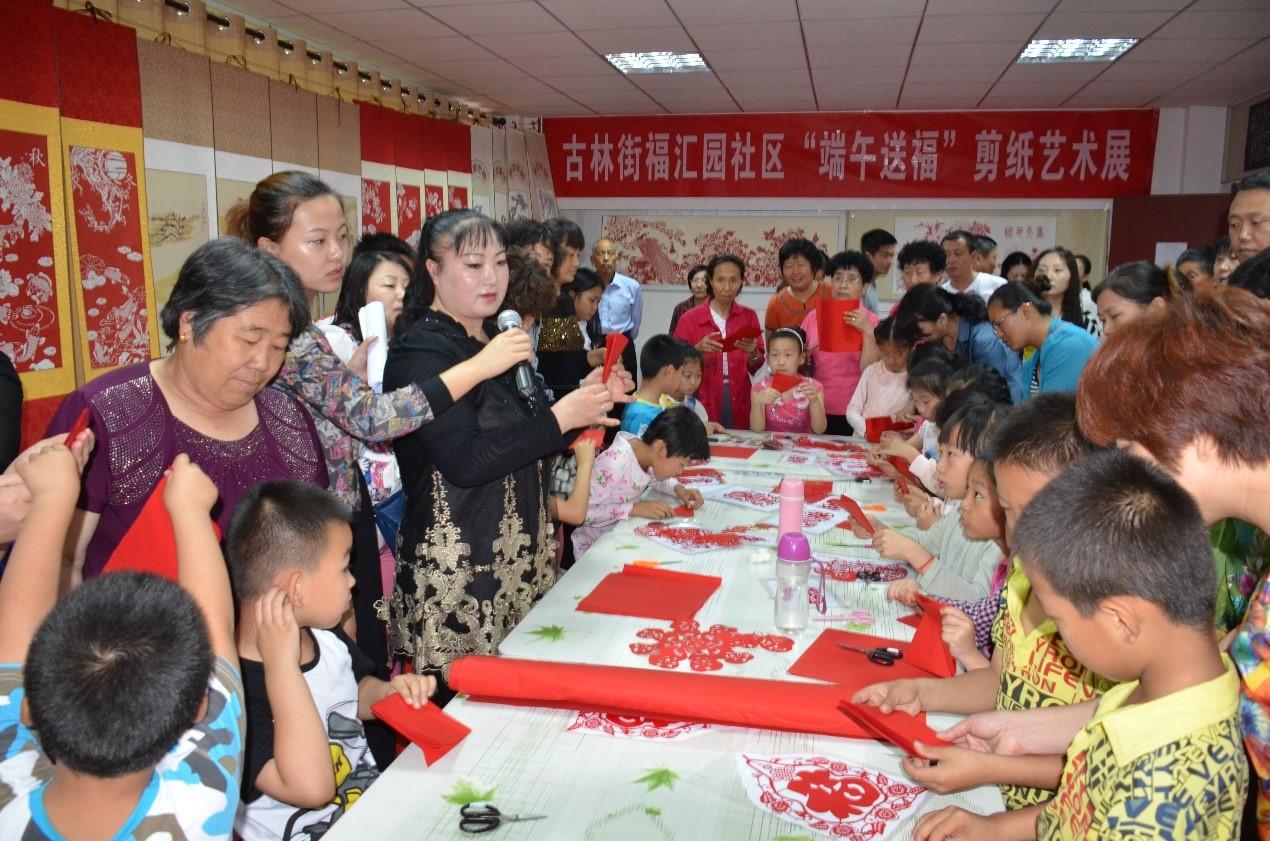 """天津福汇园:""""霞光工程"""",专注社区老少的志愿服务"""
